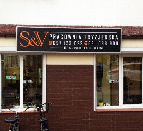 Tablica reklamowa dla pracowni fryzjerskiej S&V